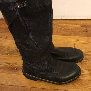 Earth Brand Black Leather Boots